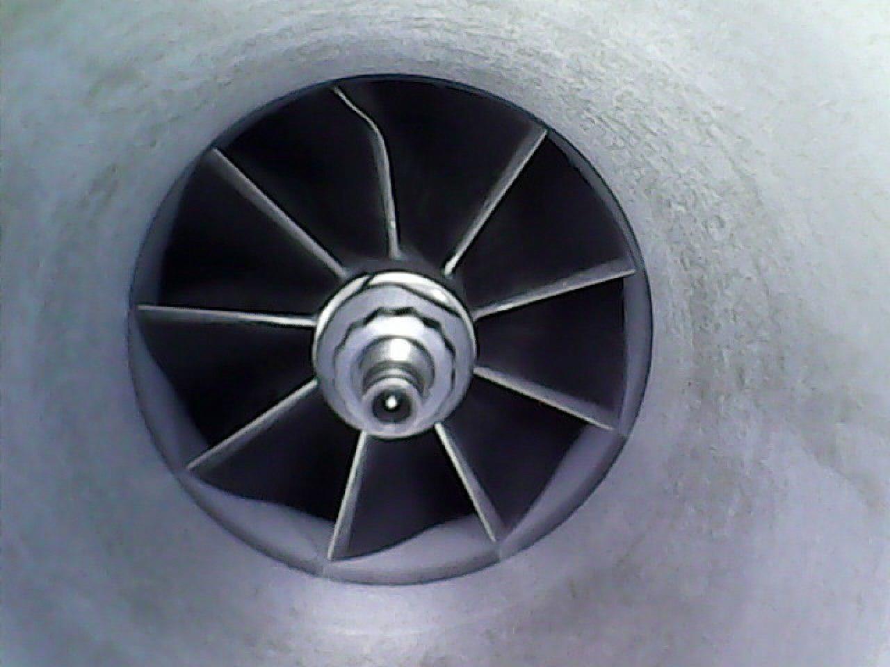 F15, крыльчатка турбонагнетателя с замятой лопастью