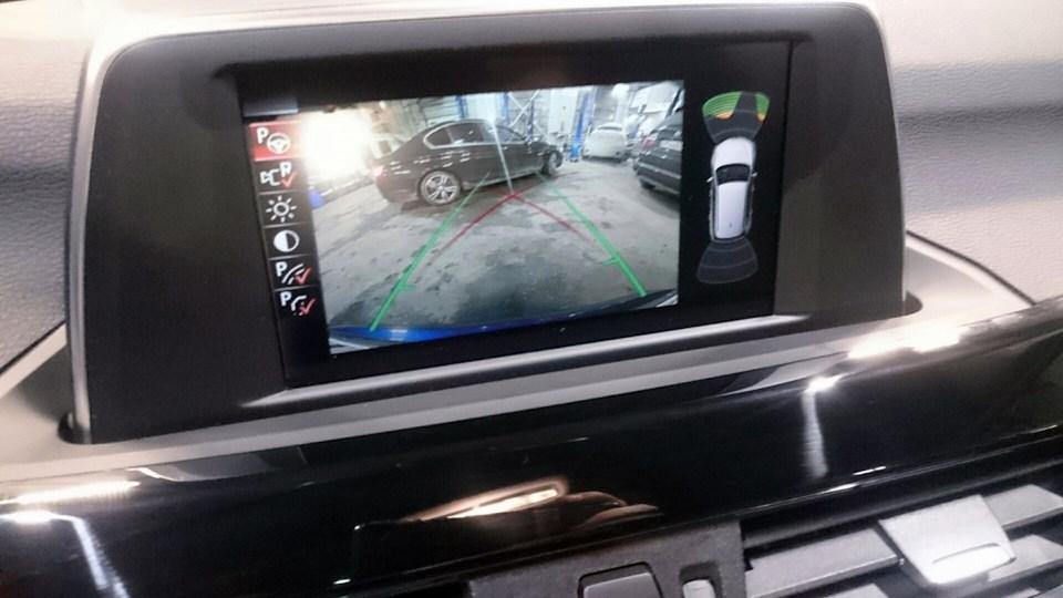 установка камеры заднего вида на BMW X1