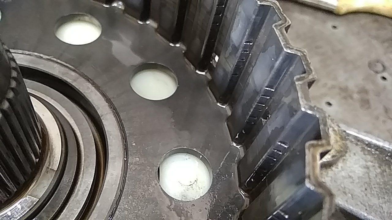 задиры на раздаточной коробке BMW ATC450