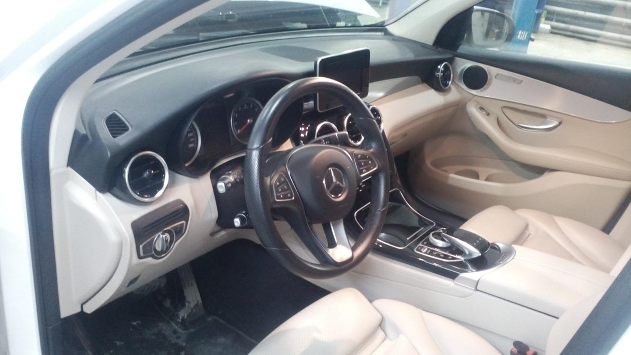 Mercedes Benz GLC 250, салон