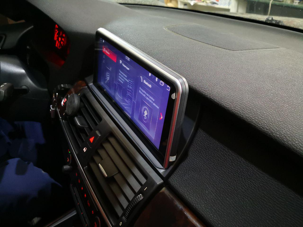 головное устройство на BMW X5 E70