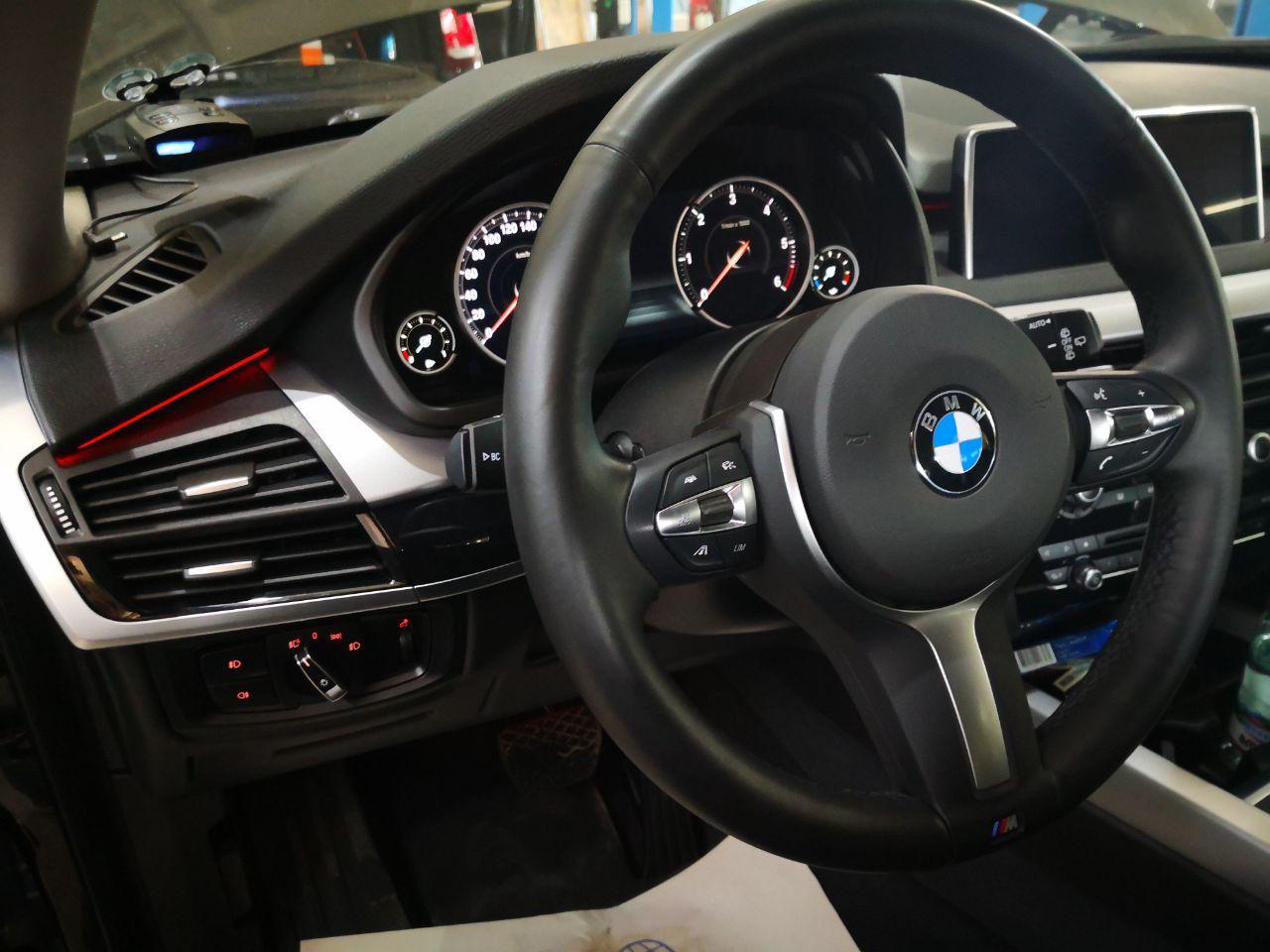 новый руль M Perfomance, LED панель, bmw f16