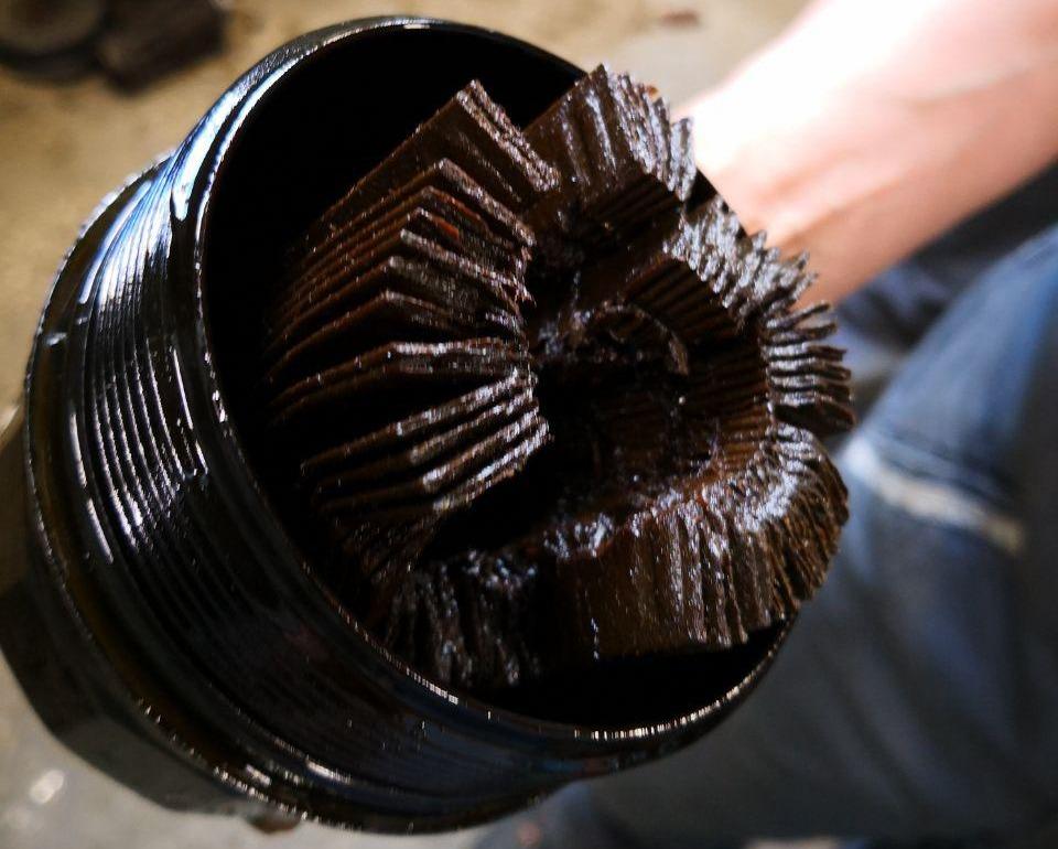 масляный фильтр, когда масло давно не менялось