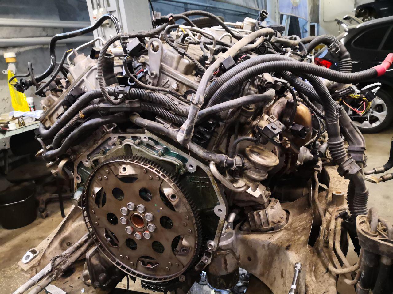 двигатель V12, BMW F02 760i