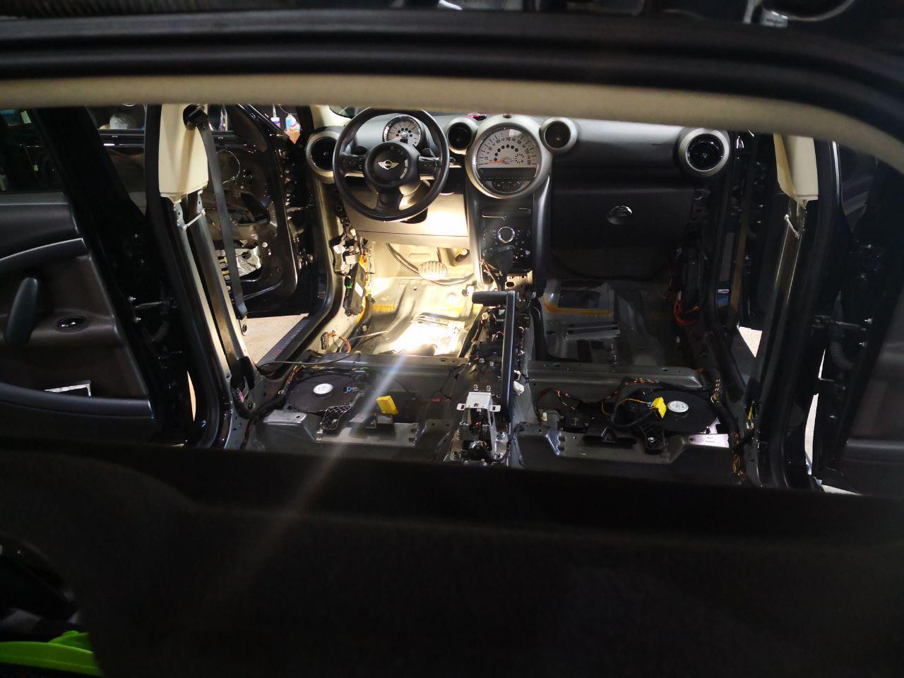 снятый салон, MINI Cooper R60