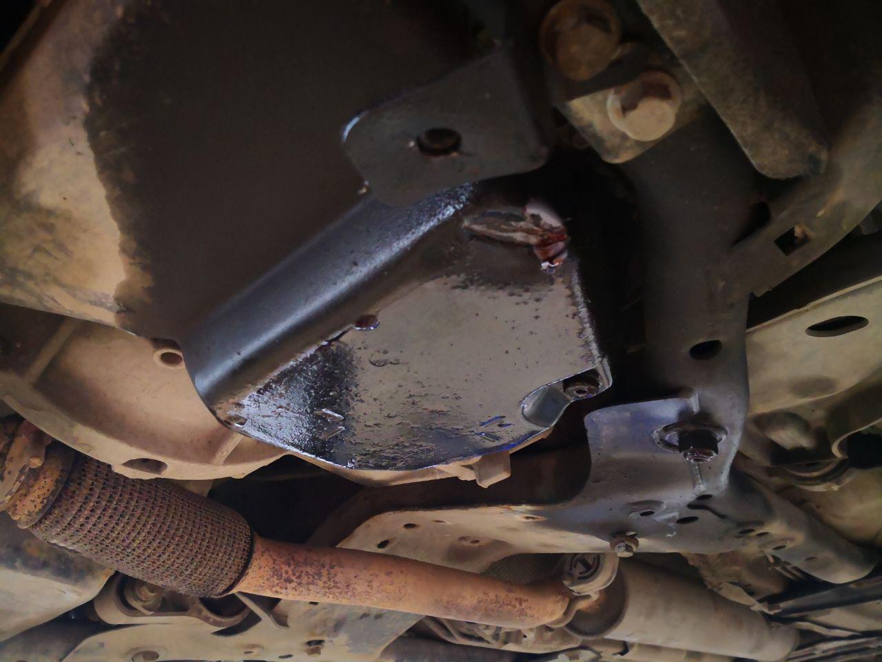 Поддон коробки передач под днищем автомобиля, Mini R55