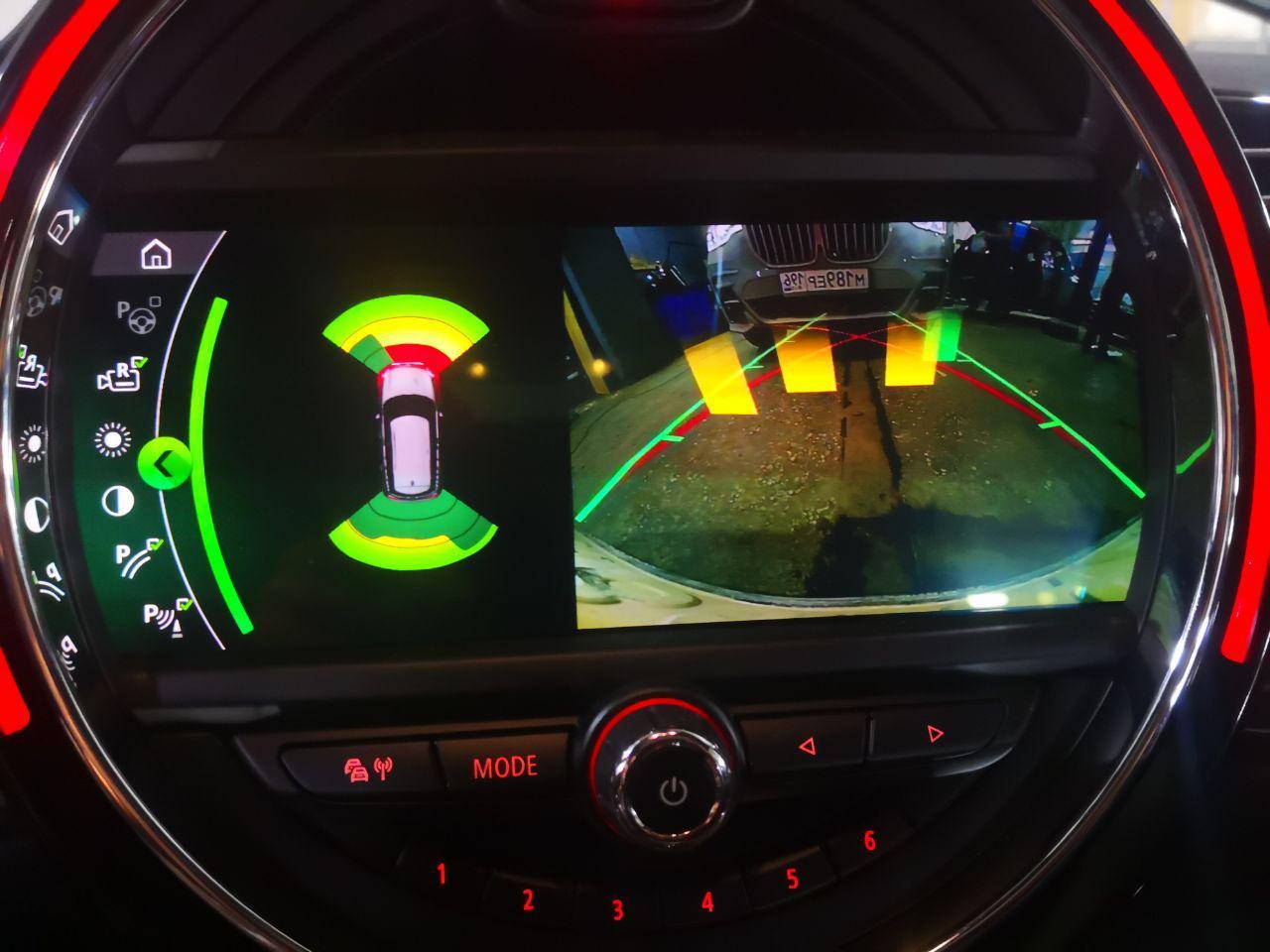 изображение с камеры на головном устройстве MINI