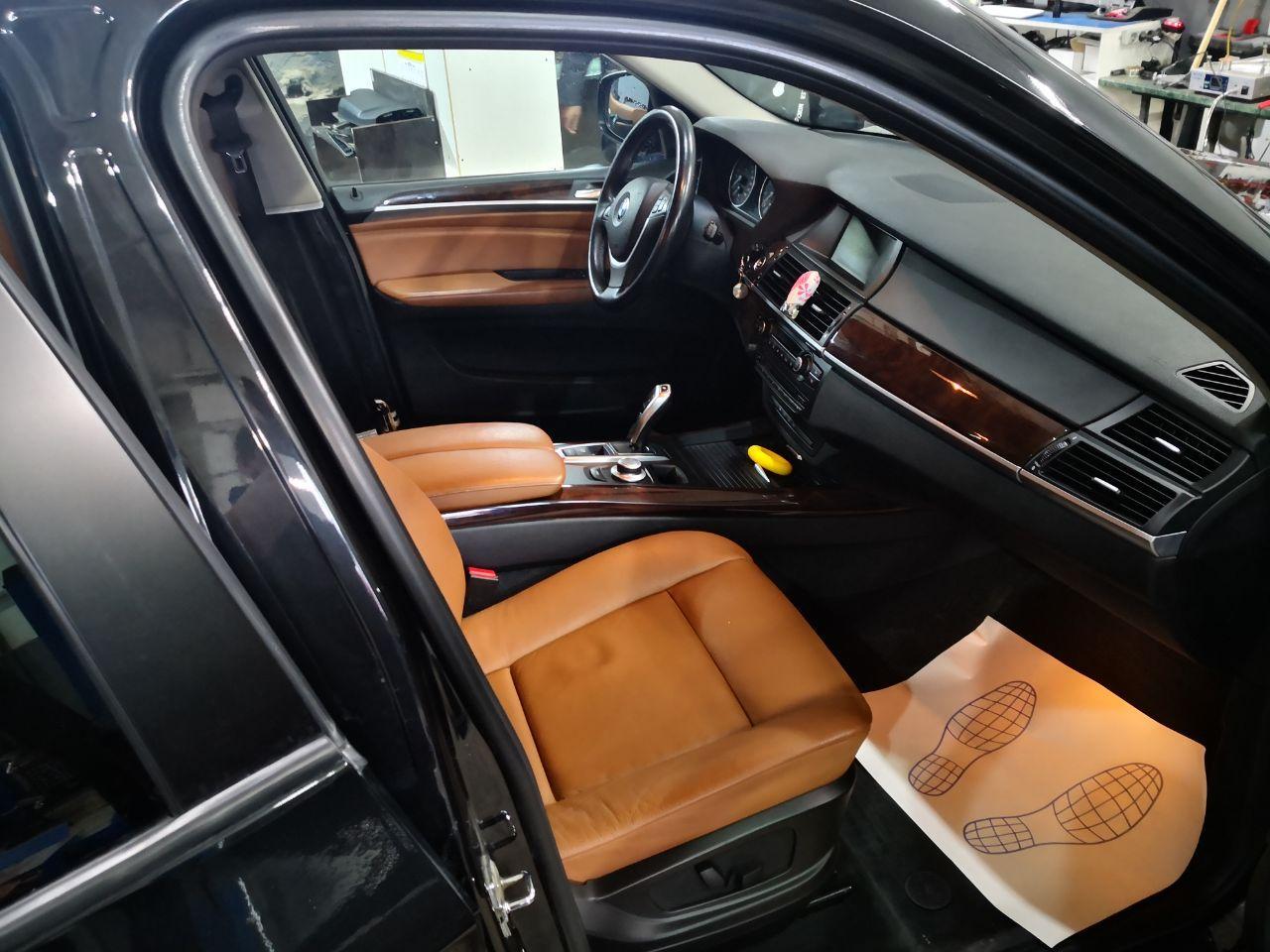 салон BMW X5 E70 2009