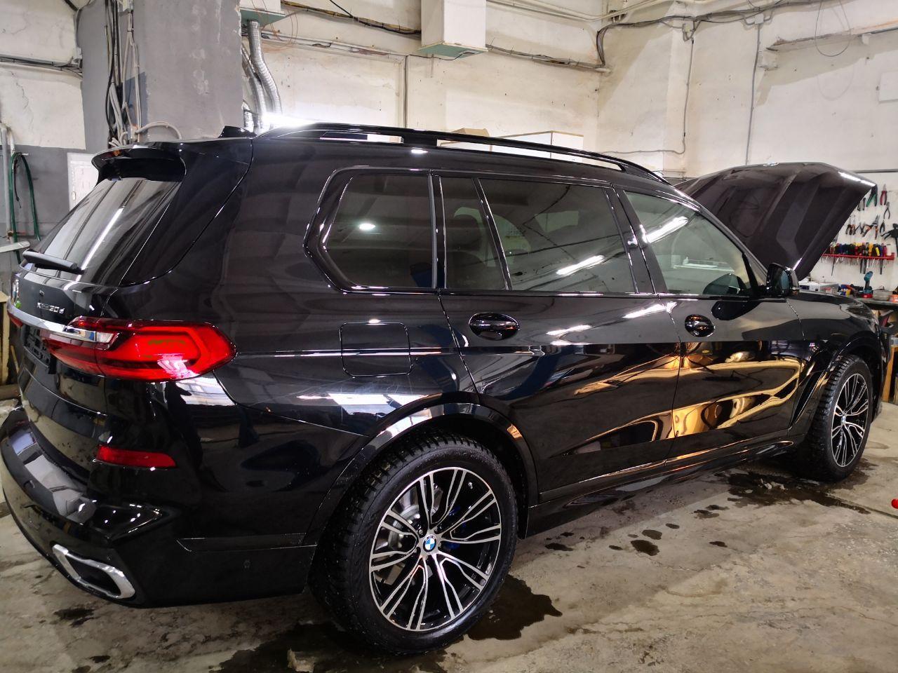BMW X7 30d 2020 года, вид сзади