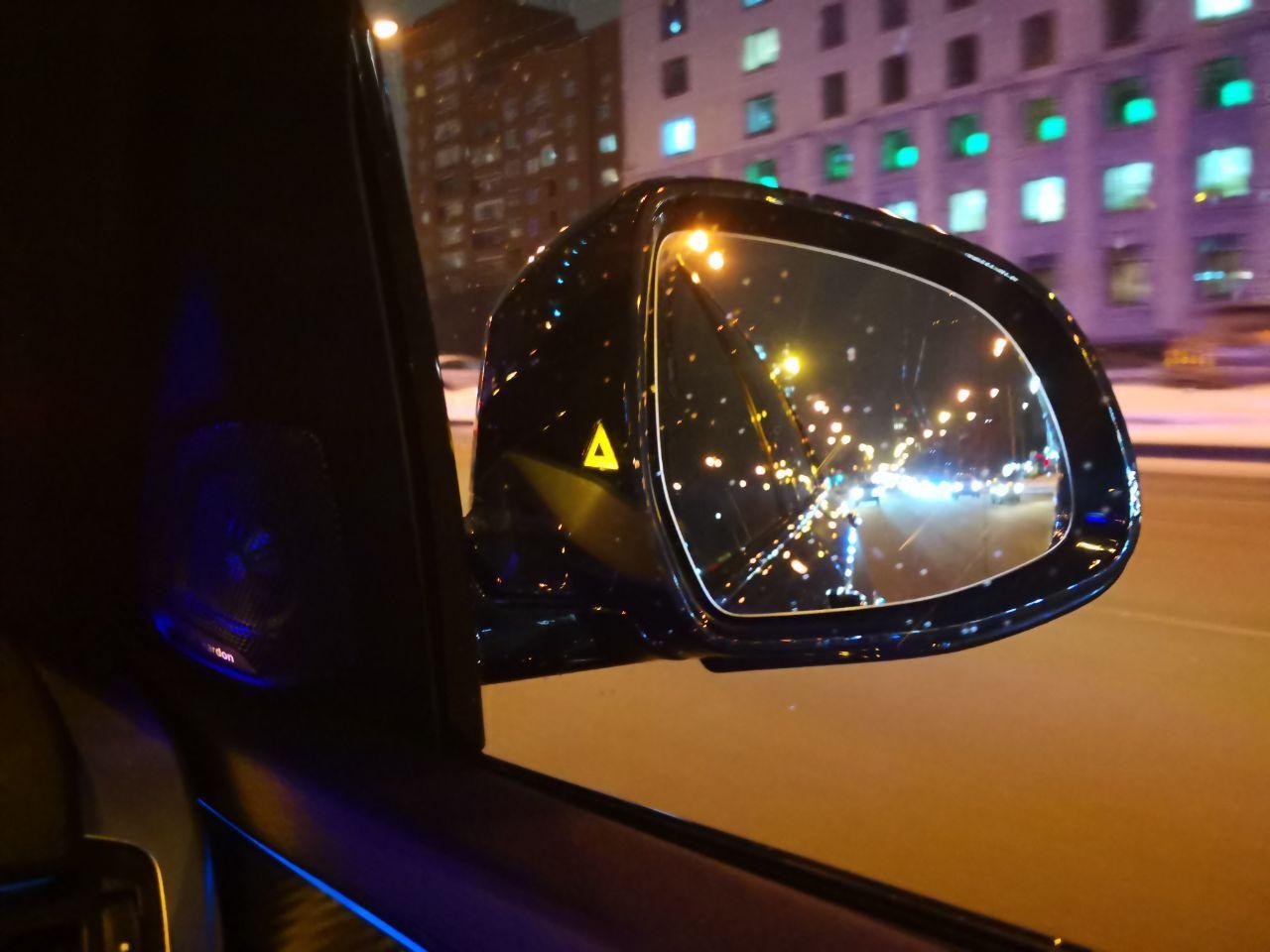сигнальная лампа на наружнем зеркале F15