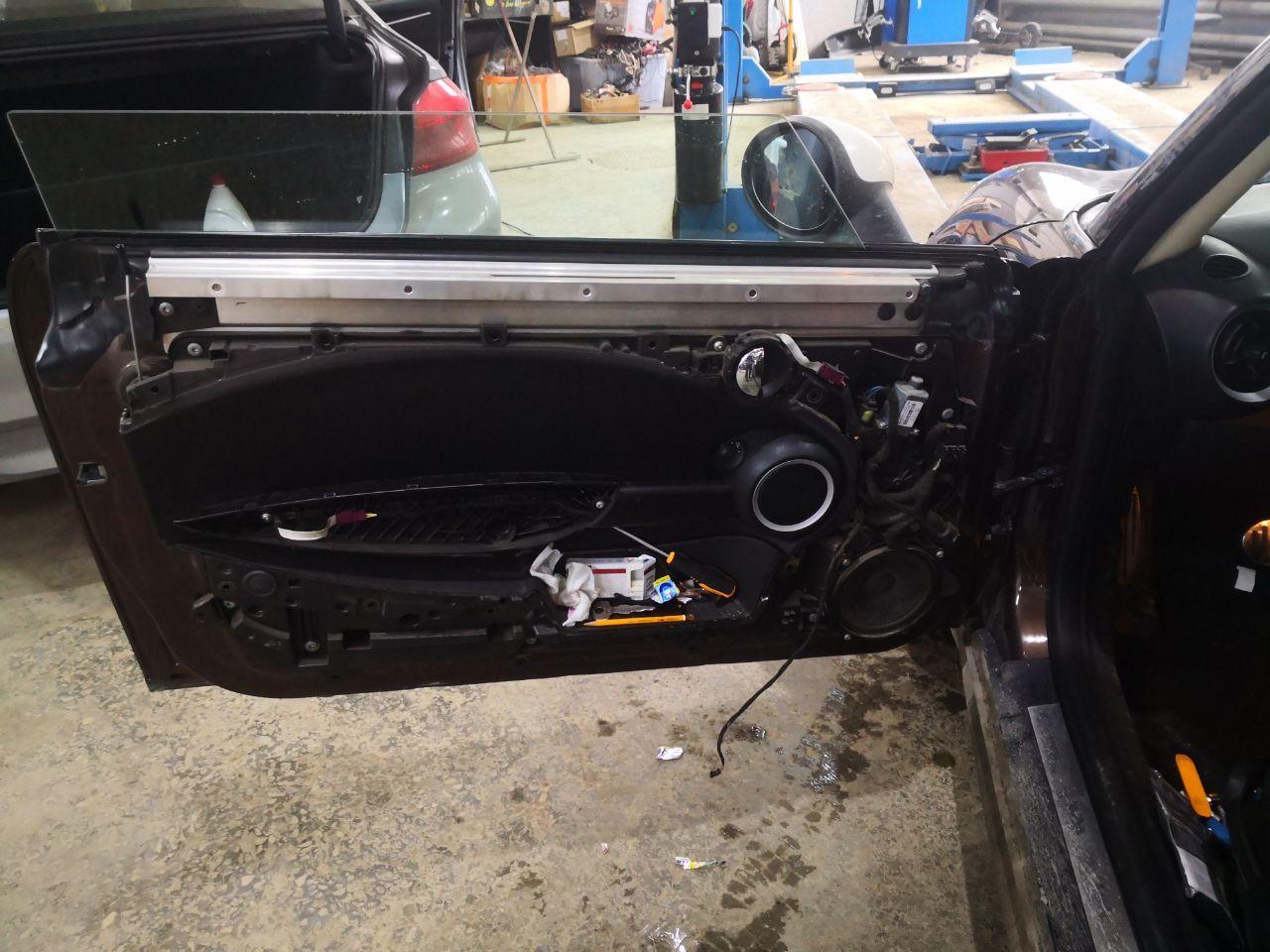 ремонт двери MINI Cooper
