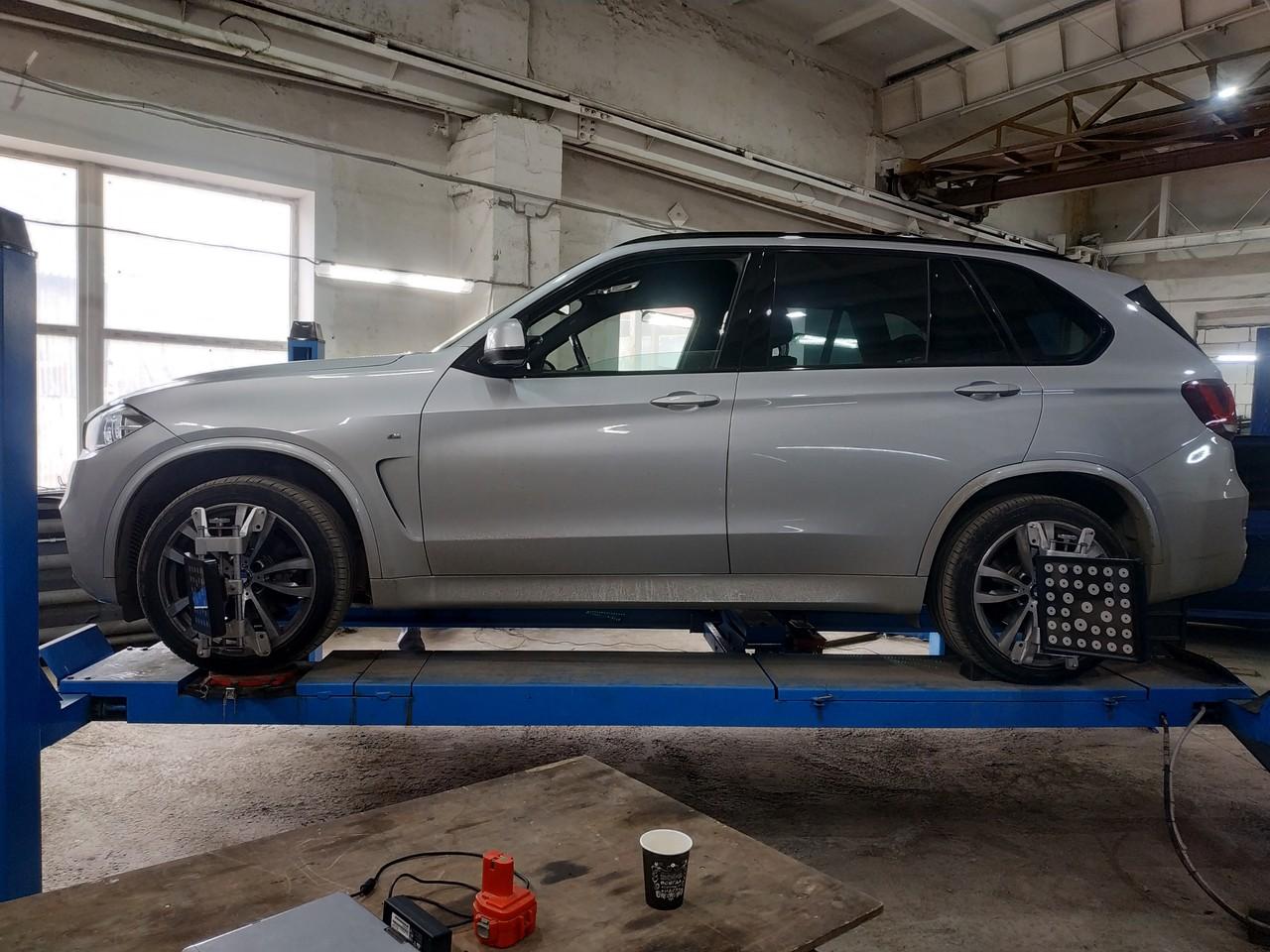 Сход развал BMW X5 F15