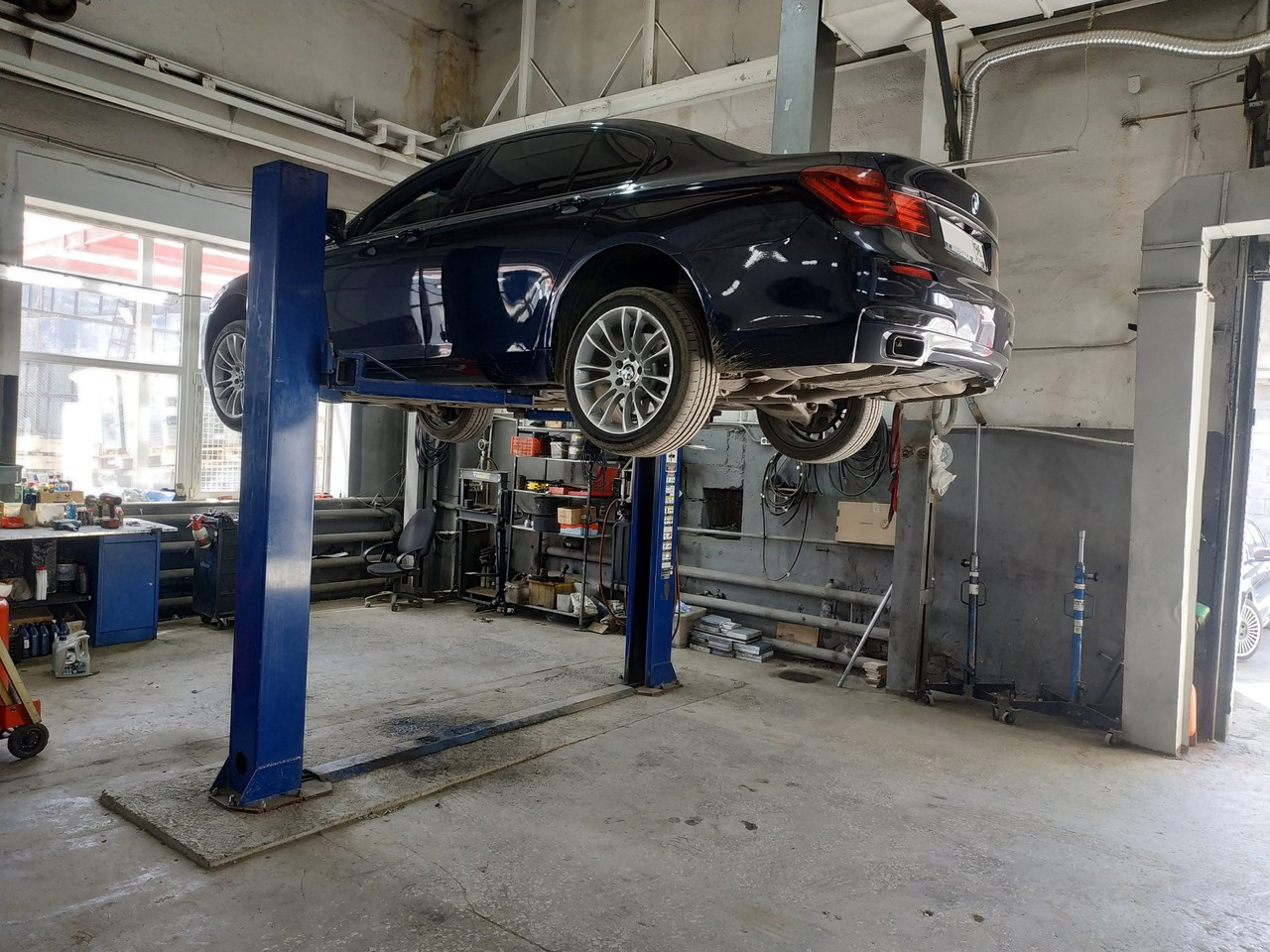 BMW 7й серии F01 2012