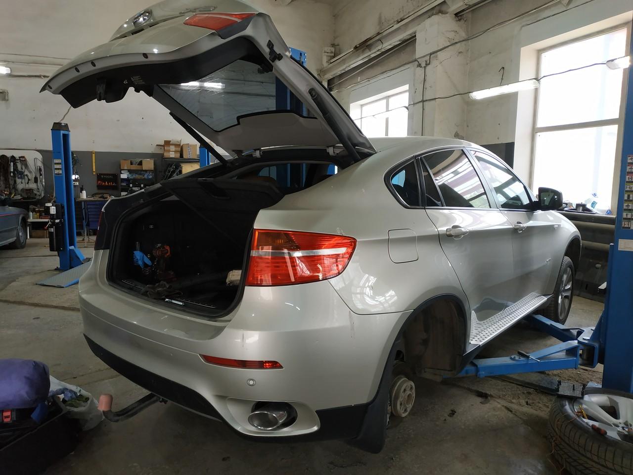 E71, Ремонт парковочного тормоза