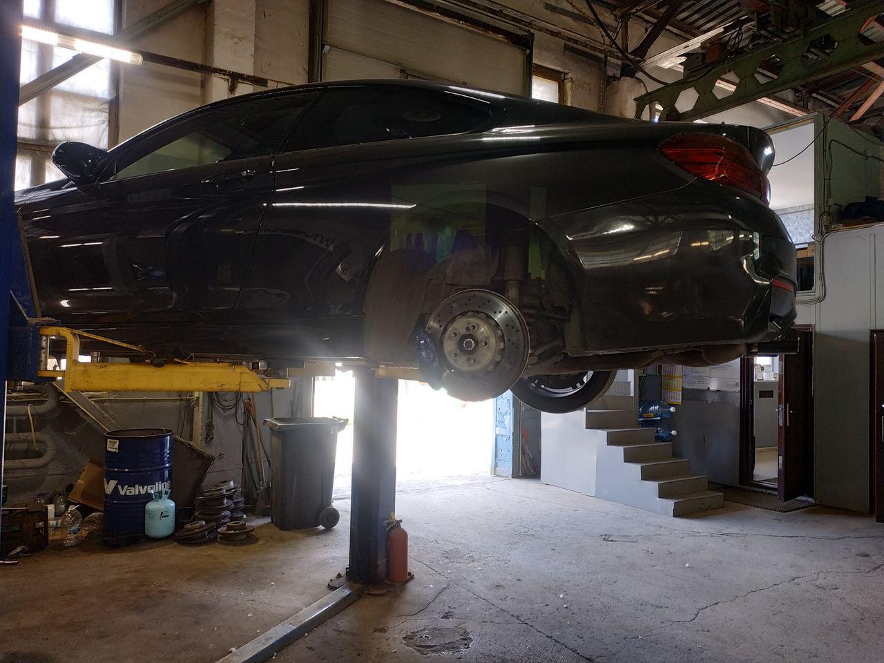 Замена заднего кулака BMW M4 F82