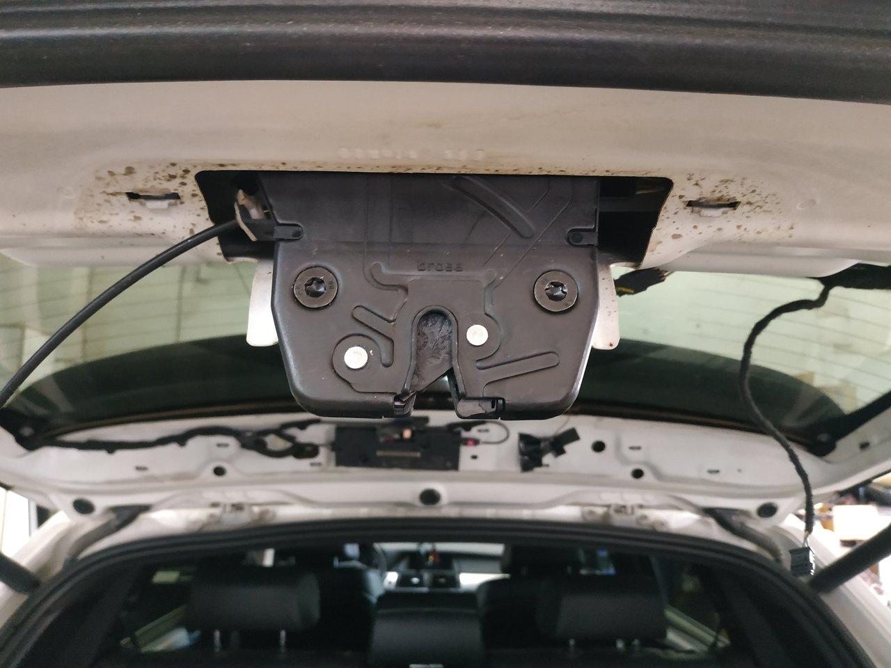 Установили новый замок двери багажника, X5 E70