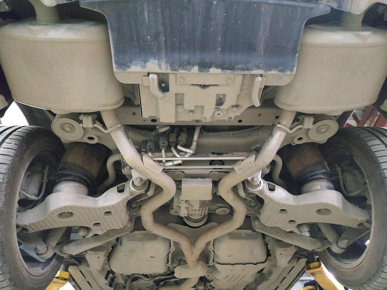 днище Range Rover Sport II до установки Thor