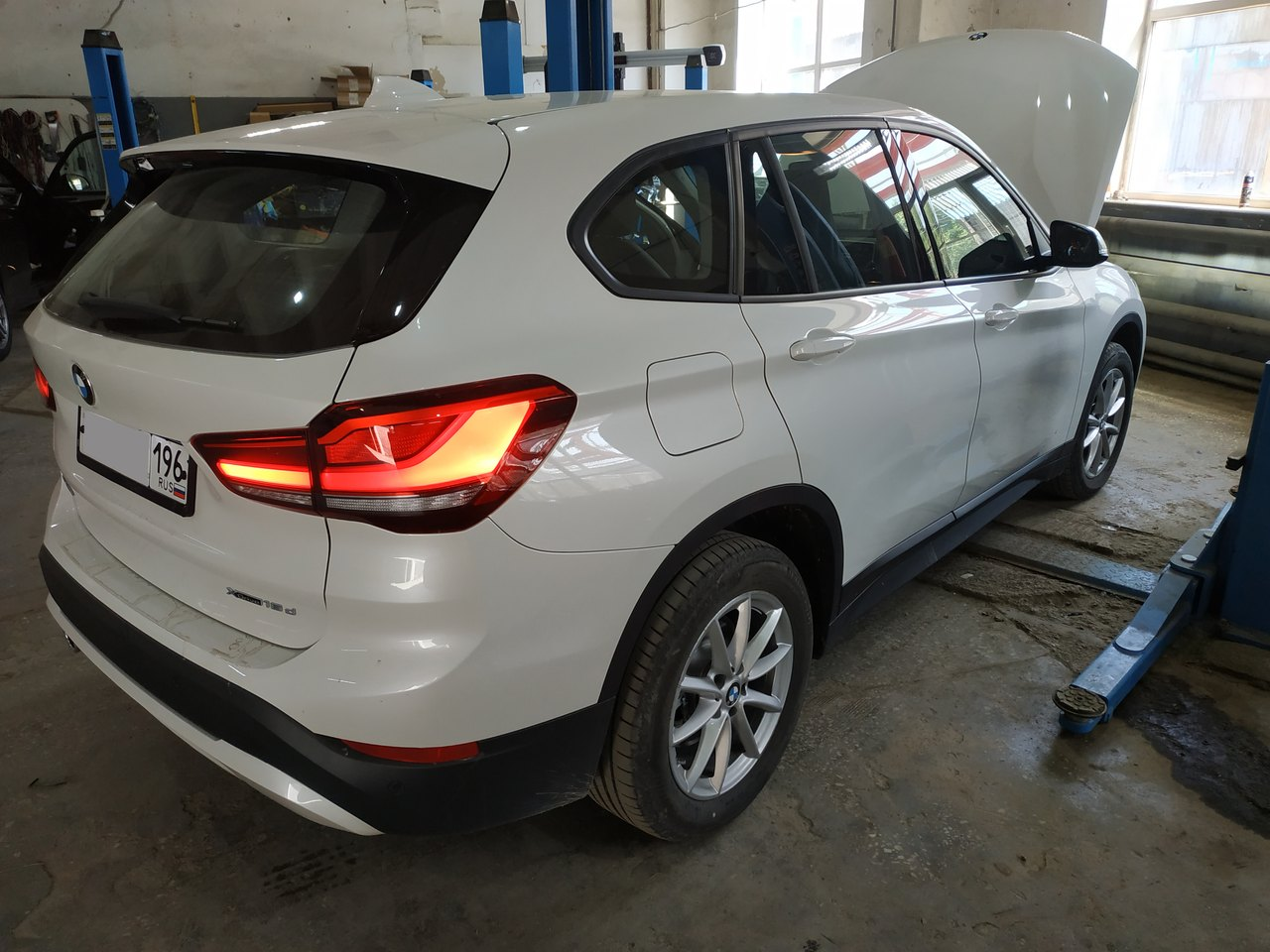 вид сзади, BMW X1 F48