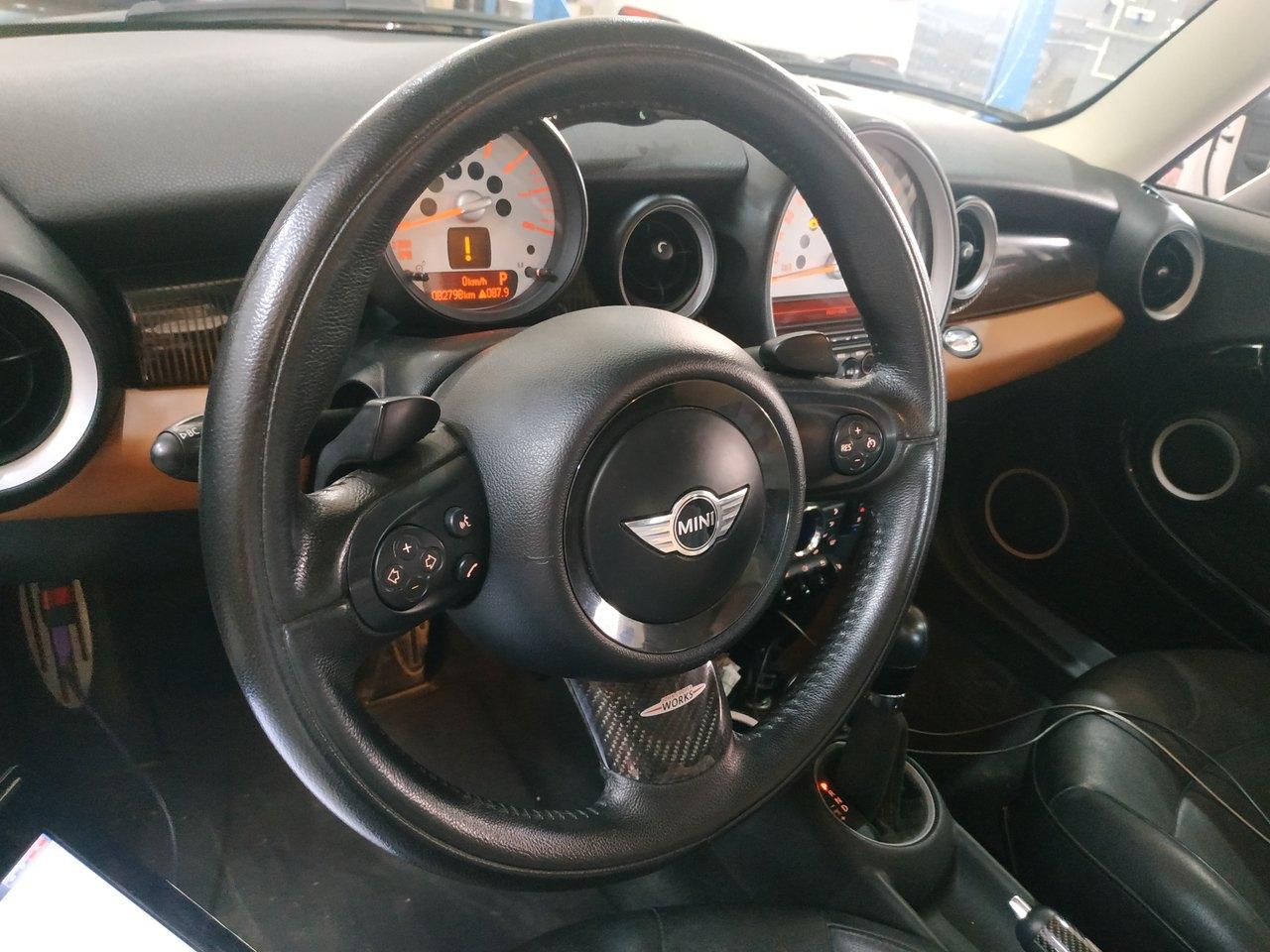 салон MINI Cooper R56