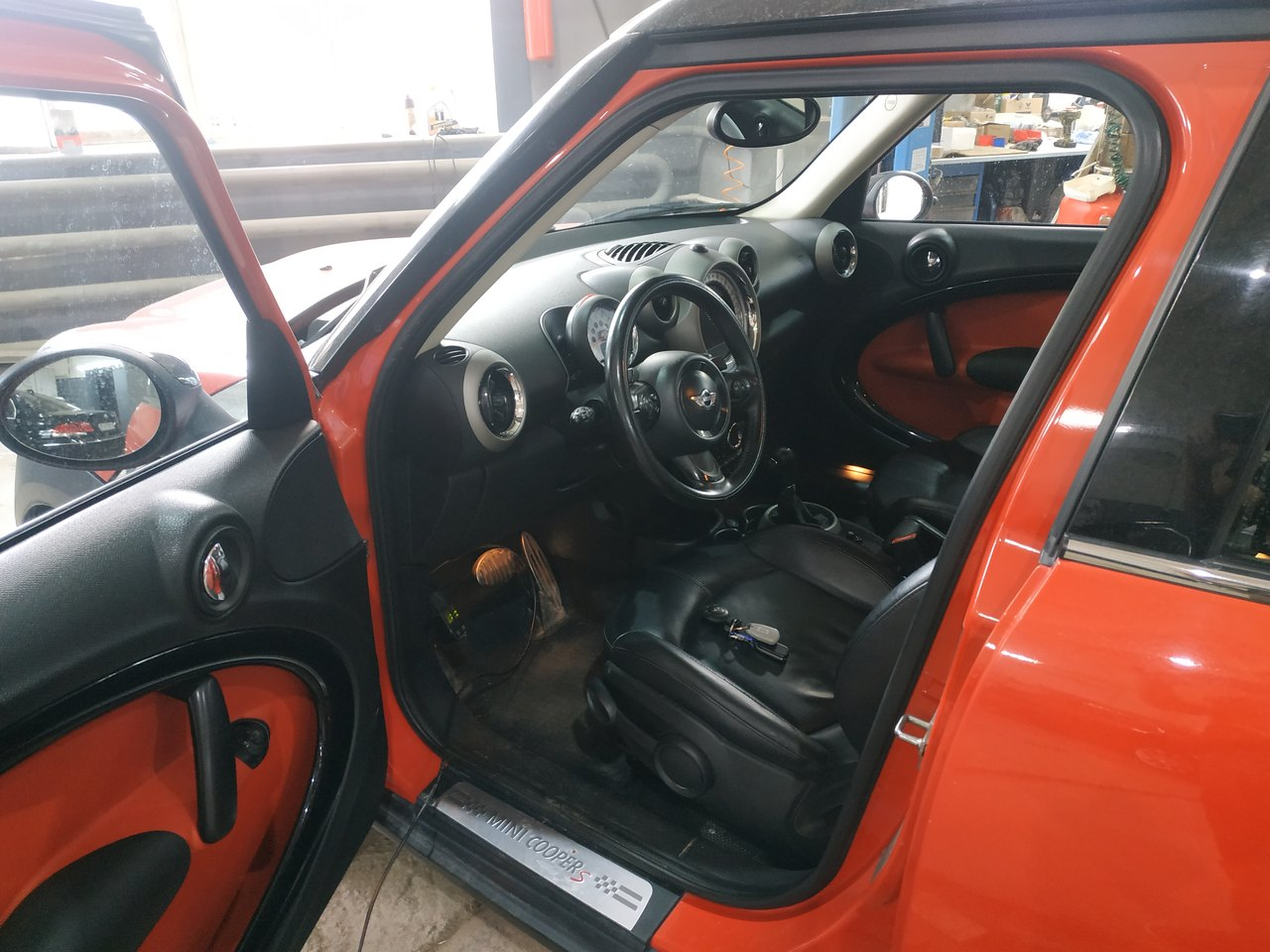 салон MINI Cooper S