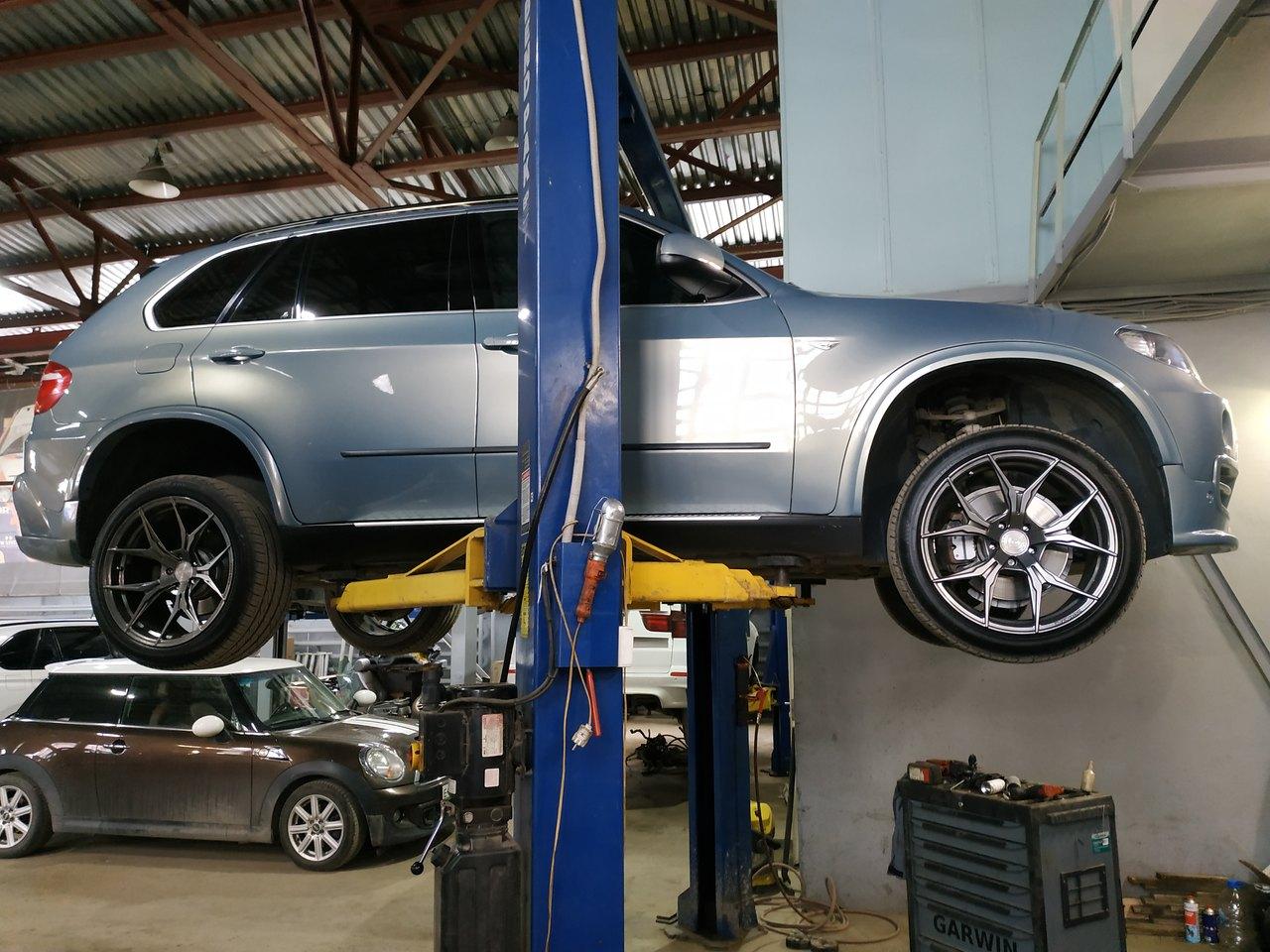 BMW X5 E70 4.8i