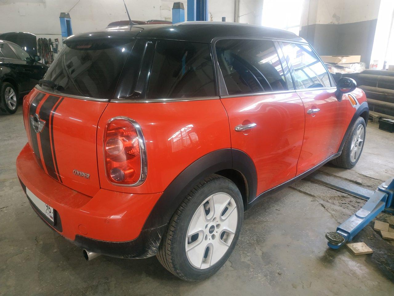 Mini Cooper R60, не закрывается багажник