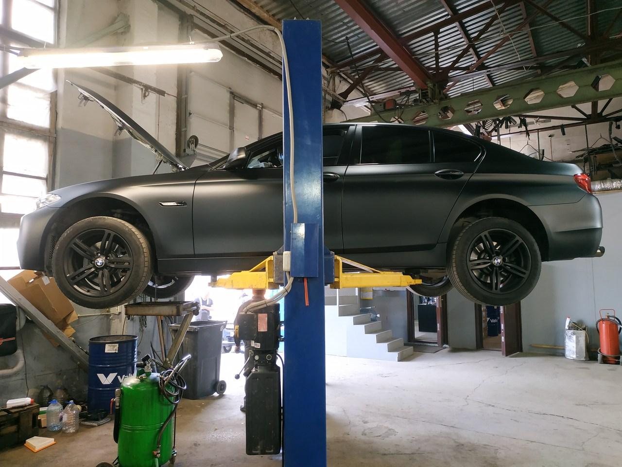 BMW F10 528i xDrive 2012