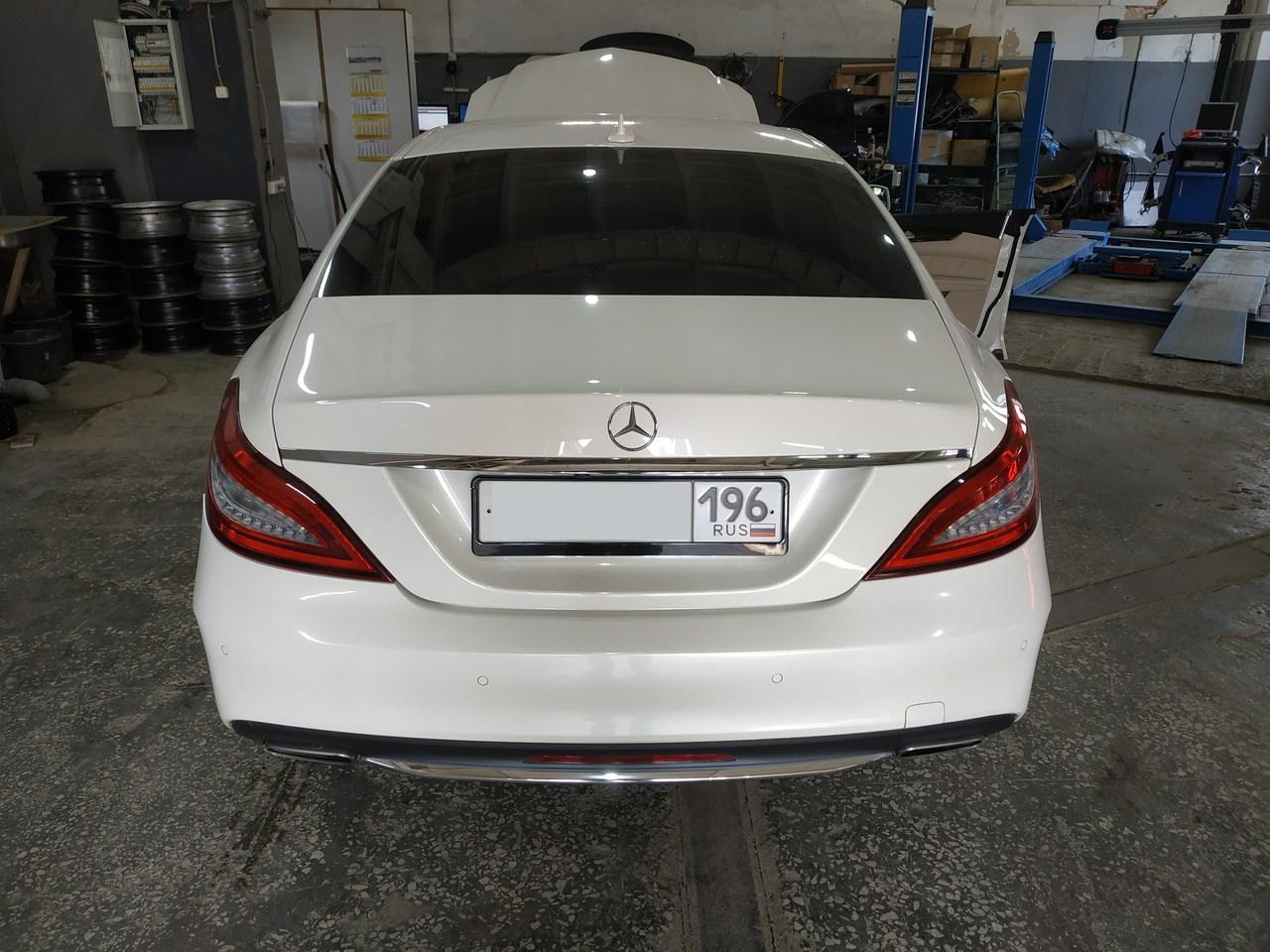 Mercedes  СLS 350, вид сзади