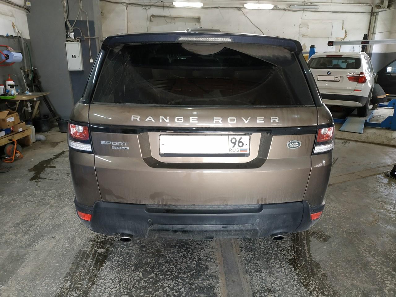Range Rover Sport, вид сзади