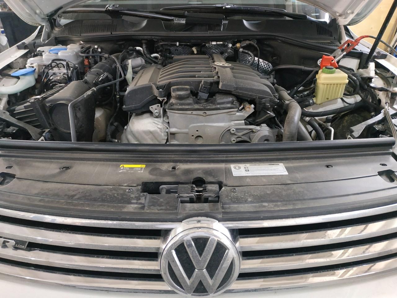 под капотом Volkswagen Touareg 3.6, двигатель бензиновый