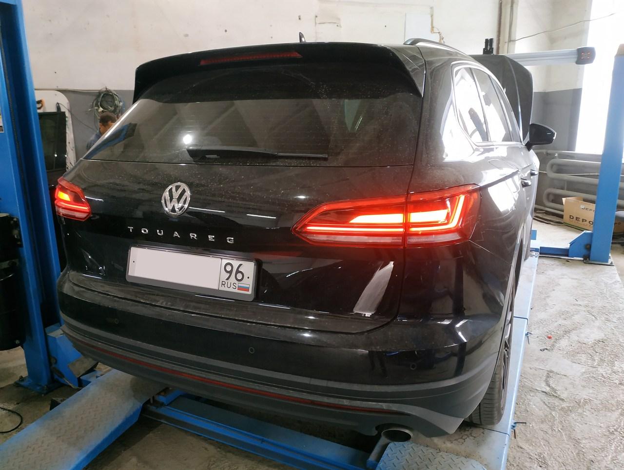 вид сзади, Volkswagen Touareg II