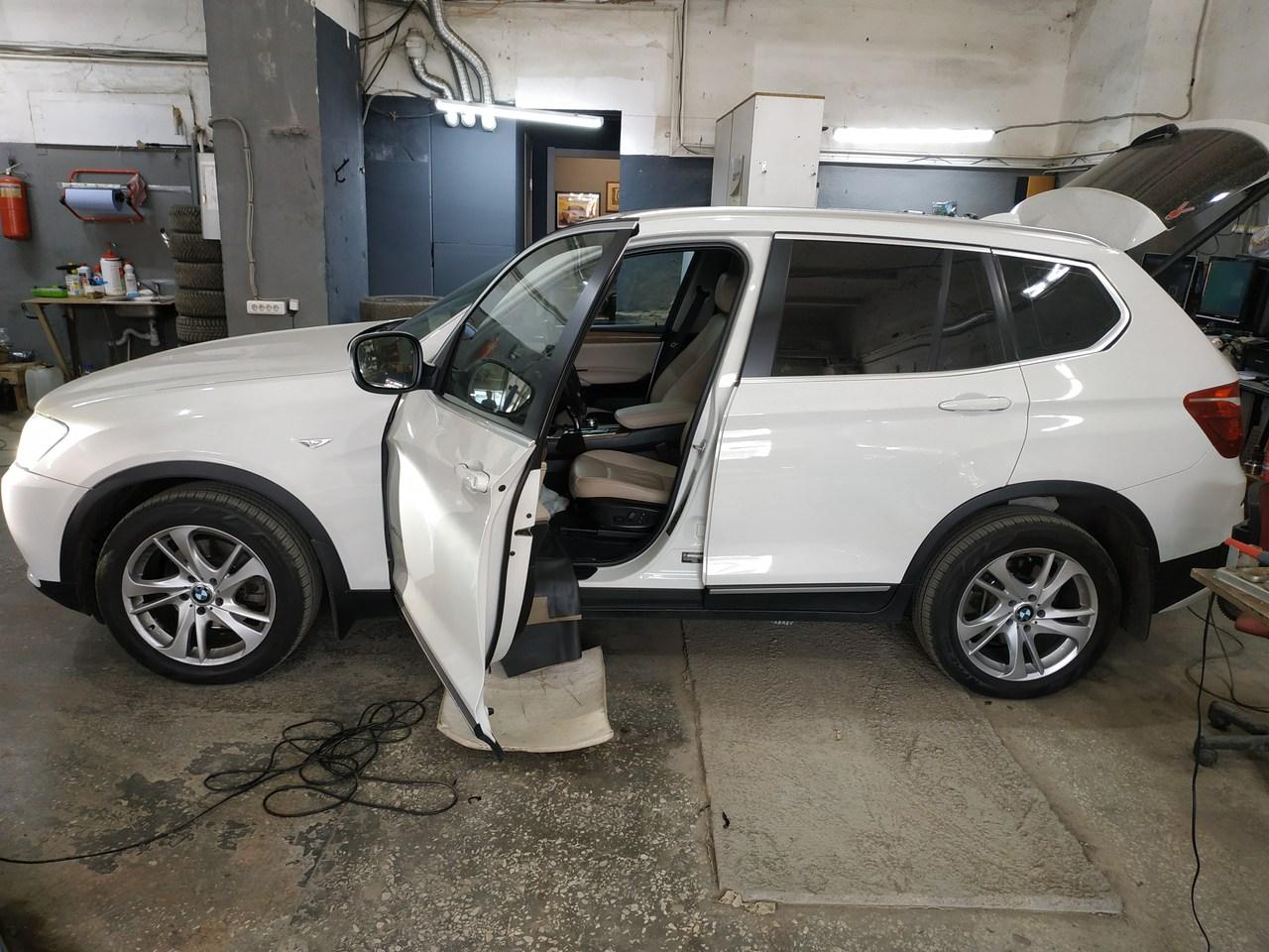 BMW X3 F25 28iX 2011