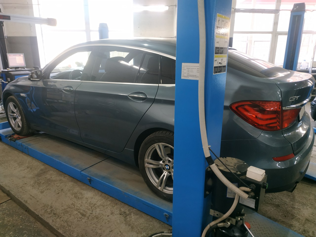 развал схождение, BMW F07 GT