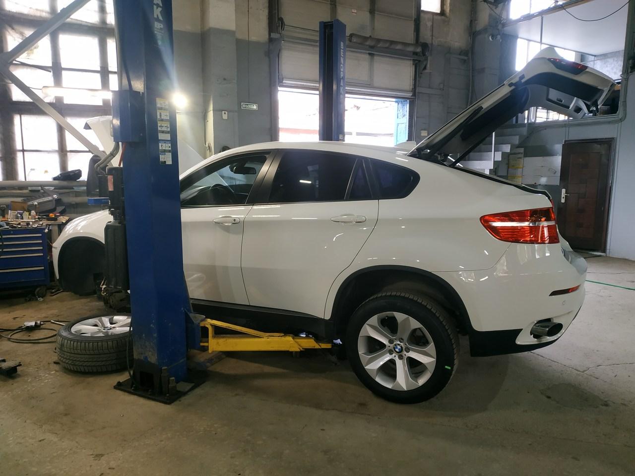 BMW E71 35i