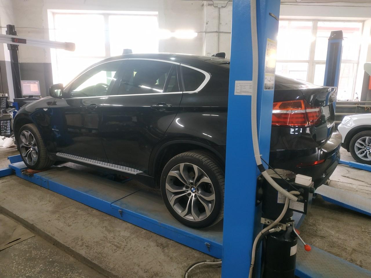 BMW X6 E71 2011