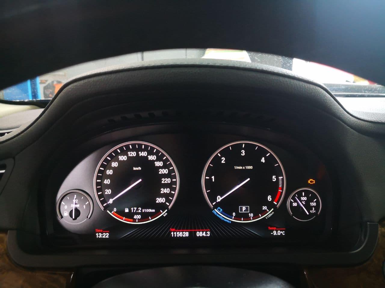 Стоковая панель приборов, BMW F01