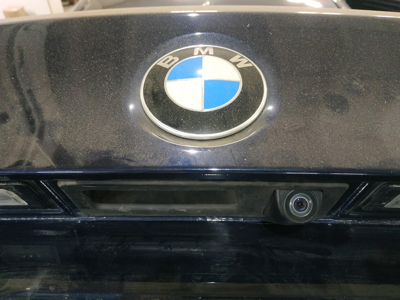 установка камеры заднего вида, BMW F10