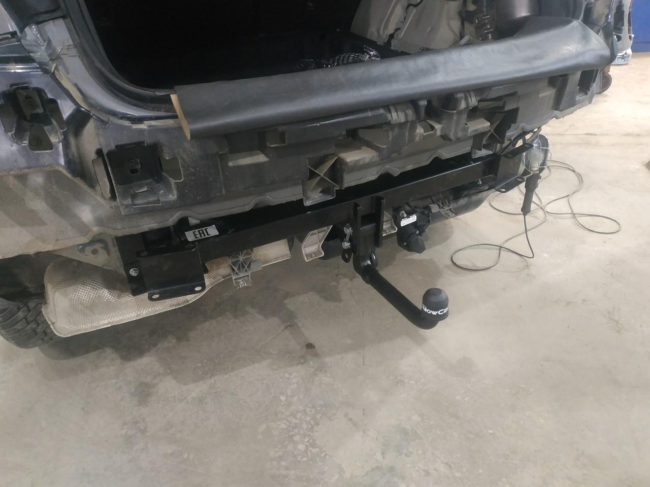 установка ТСУ, тягово-сцепное устройство, Mercedes GLE