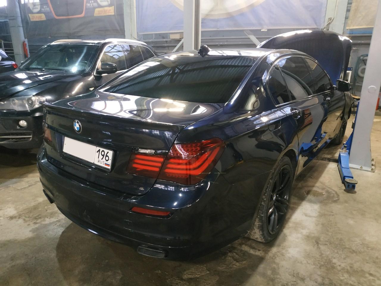 BMW F02 740i