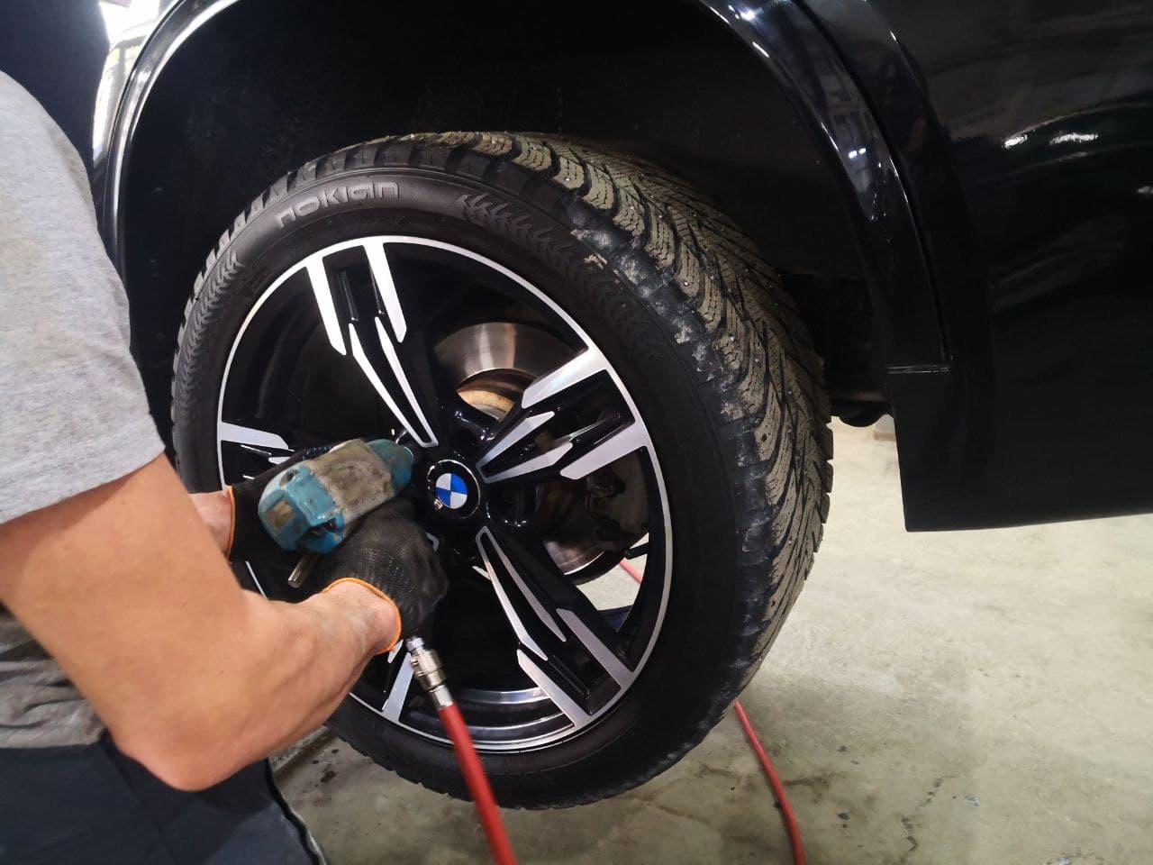 F15, снятие колеса