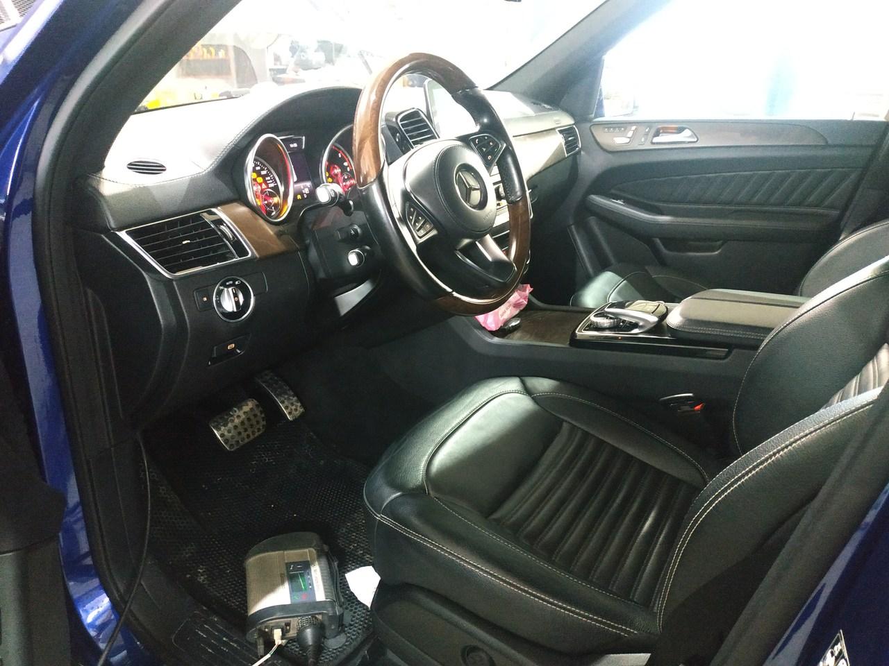 салон Mercedes GLS 350d