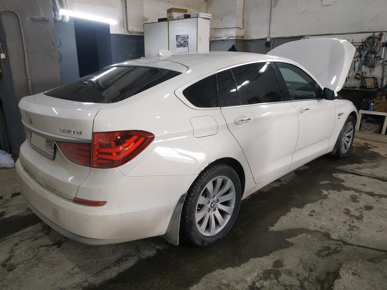 BMW F07 Gran Turismo, вид сзади