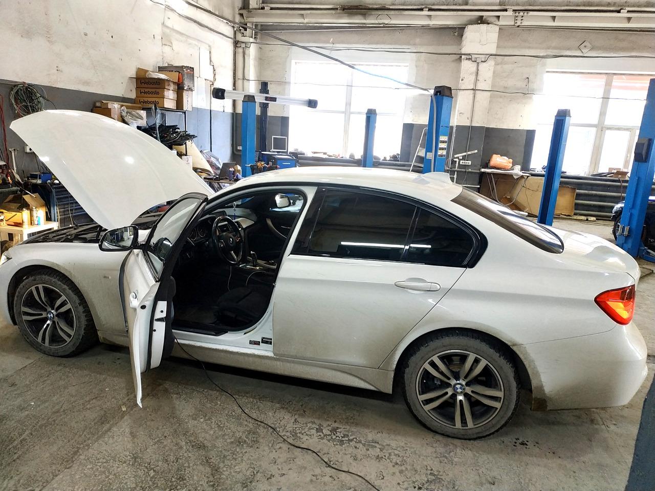 BMW F30 320i 2014