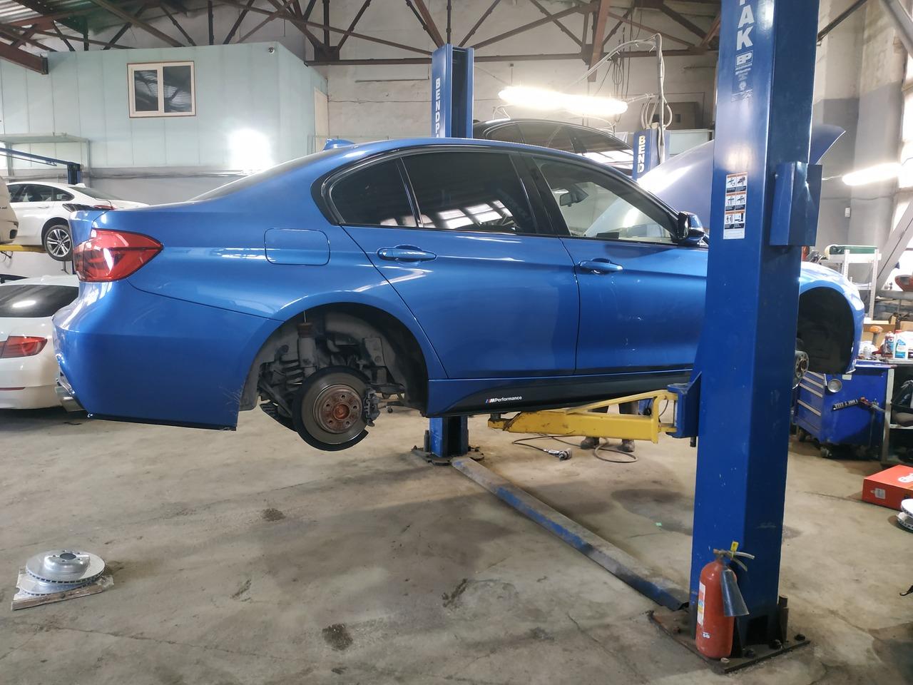 замена тормозов, BMW F30