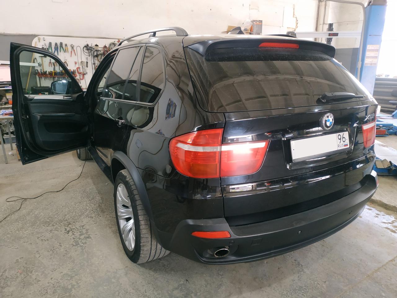 BMW E70 X5 30d 2008, вид сзади
