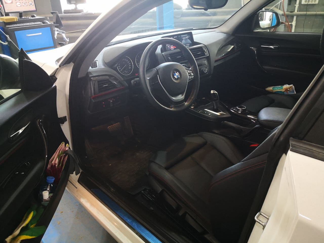 салон BMW F22