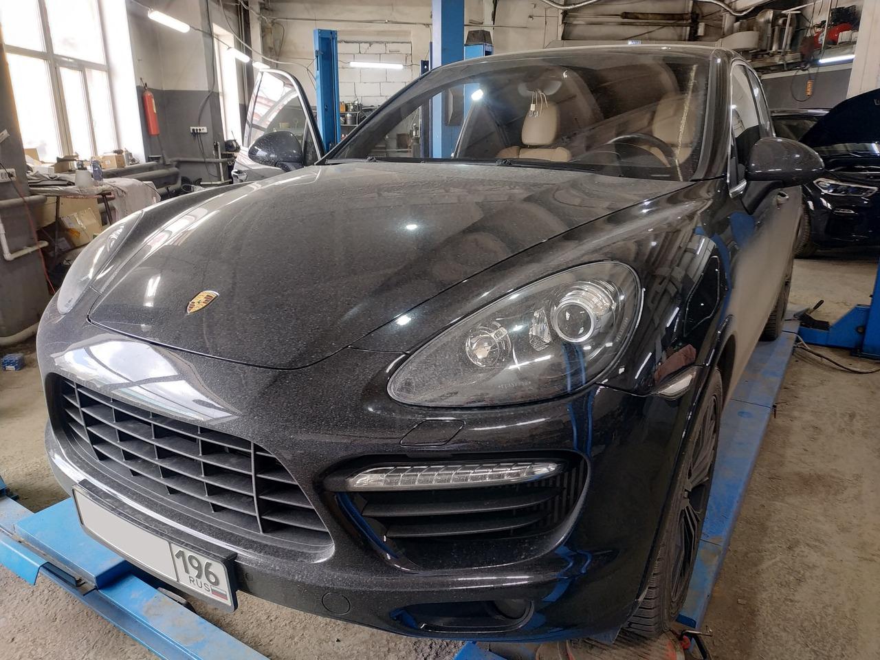 Porsche Cayenne 2013 г.в.