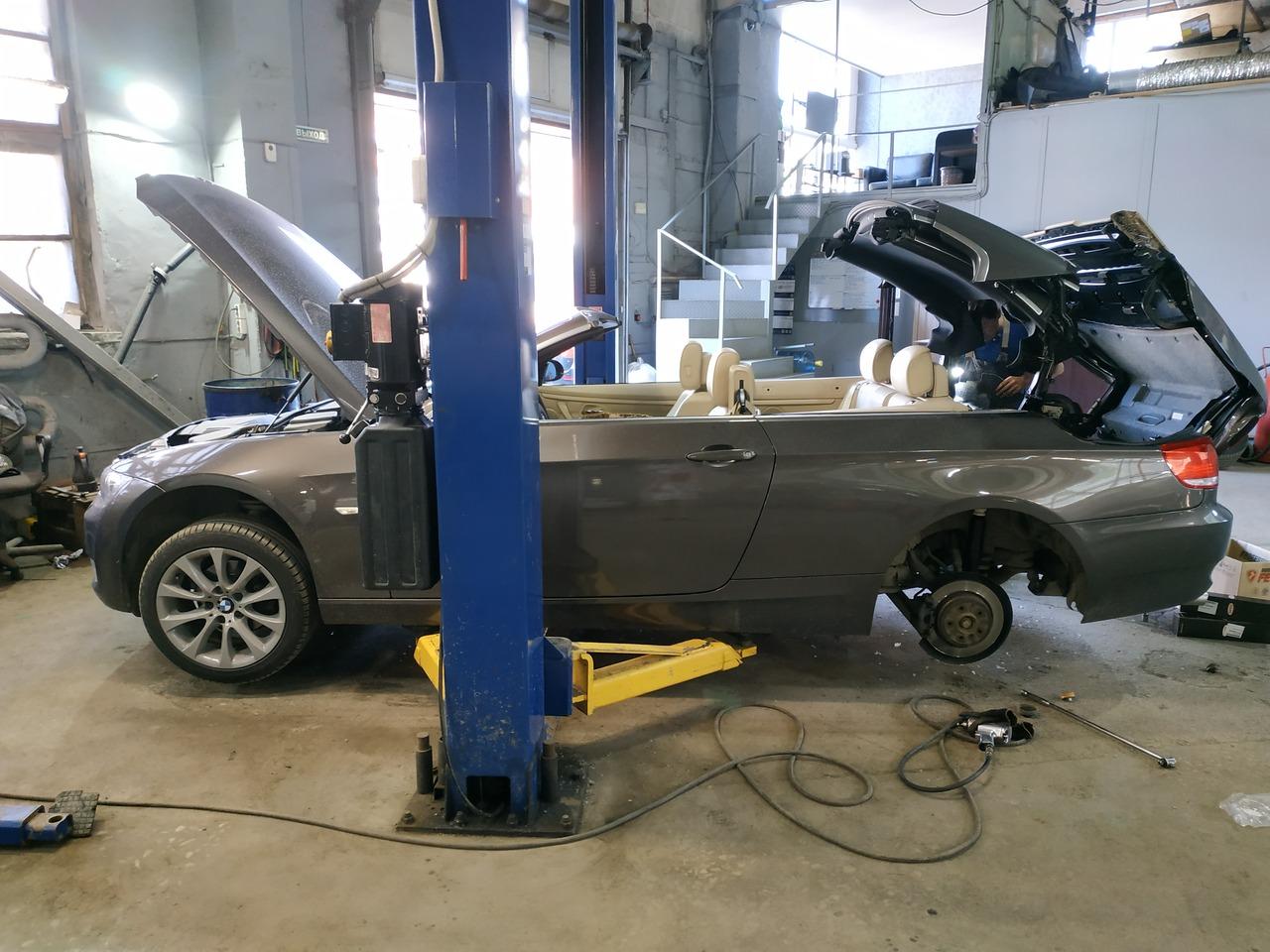 BMW E93 320i, 2009 года, Замена задних амортизаторов