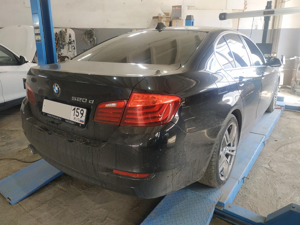 BMW F10 520d, вид сзади