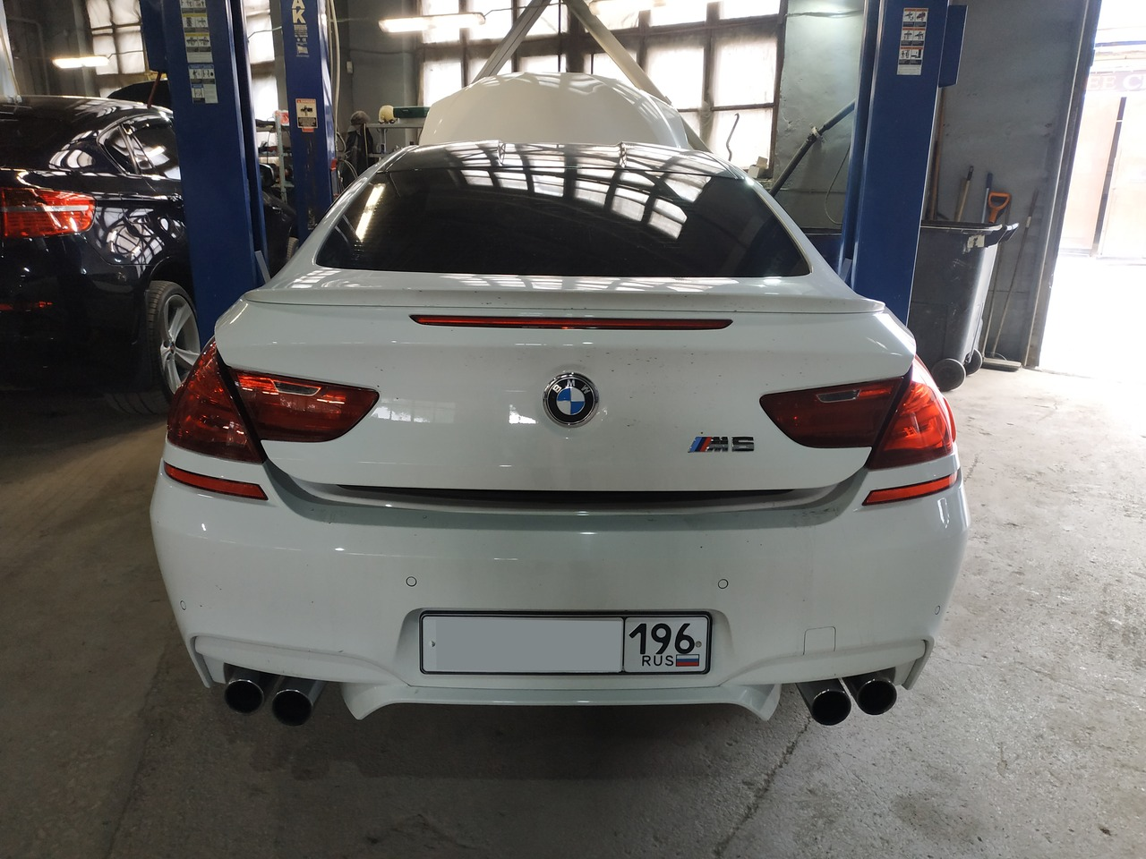 BMW F13 M6, вид сзади